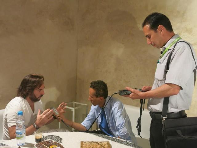 Due giornalisti intervistano Roberto Alagna
